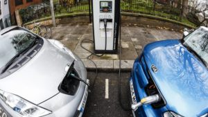 ladesaeulen-elektroautos